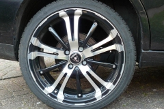 "17"" scorpion velg met een viking 205/40/17"" band"